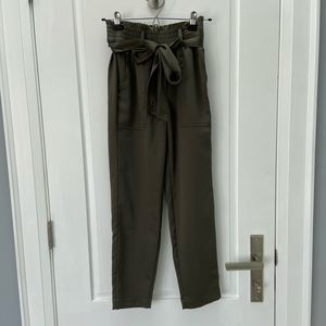 Abercrombie and Fitch green satin pants size xxs